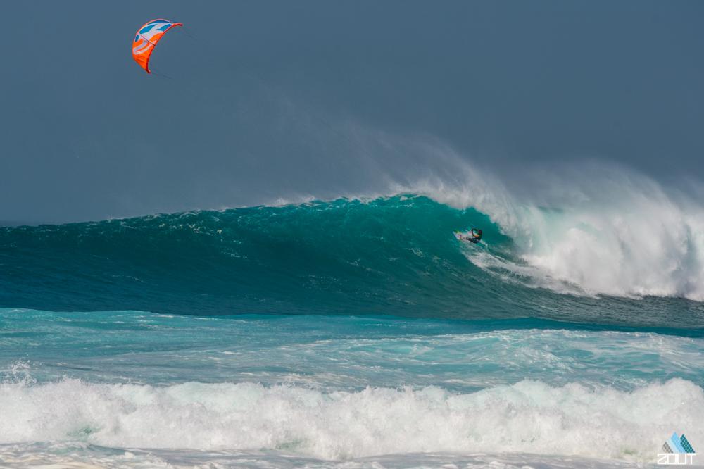 Mitu F-One Kitesurfing Ponte Preta bigwave strapless Cabo Verde