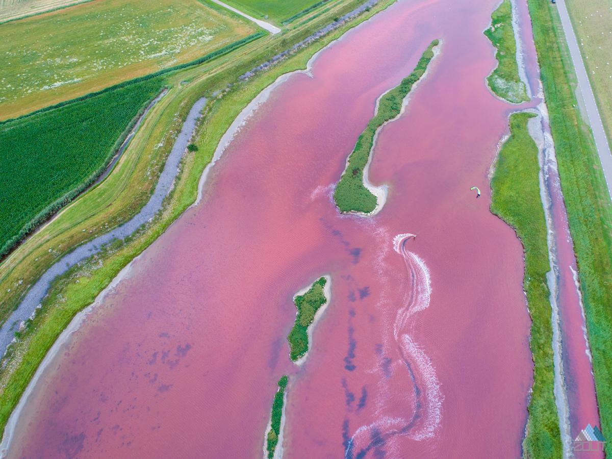 Kitesurfen roze meertje Wagejot Texel