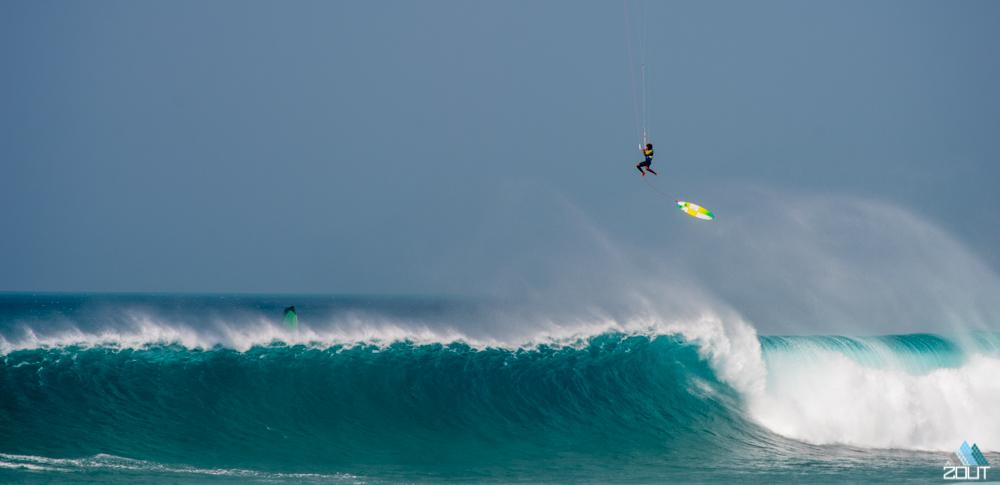 Mitu F-One Kitesurfing Ponte Preta bigwave strapless Cabo Verde jump
