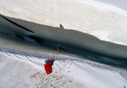 Gletserspleetredding reddingstechnieken alpen gletsjer