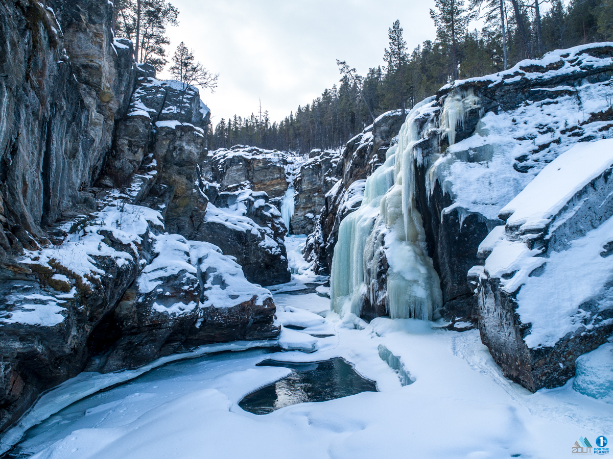 Sjoa River ice canyoning