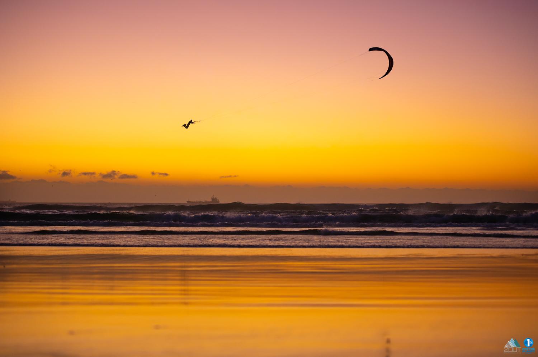 jump sunset kitesurf kiteboarding